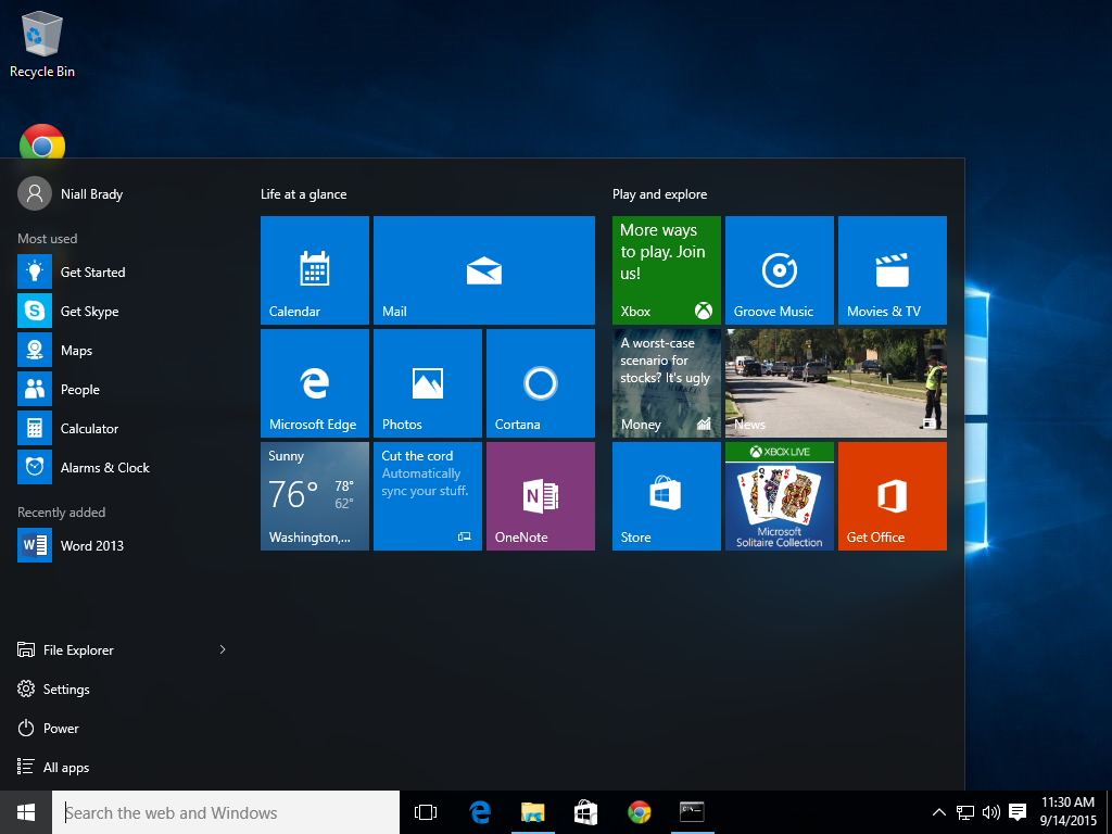 How can I deploy a customized Windows 10 start menu using